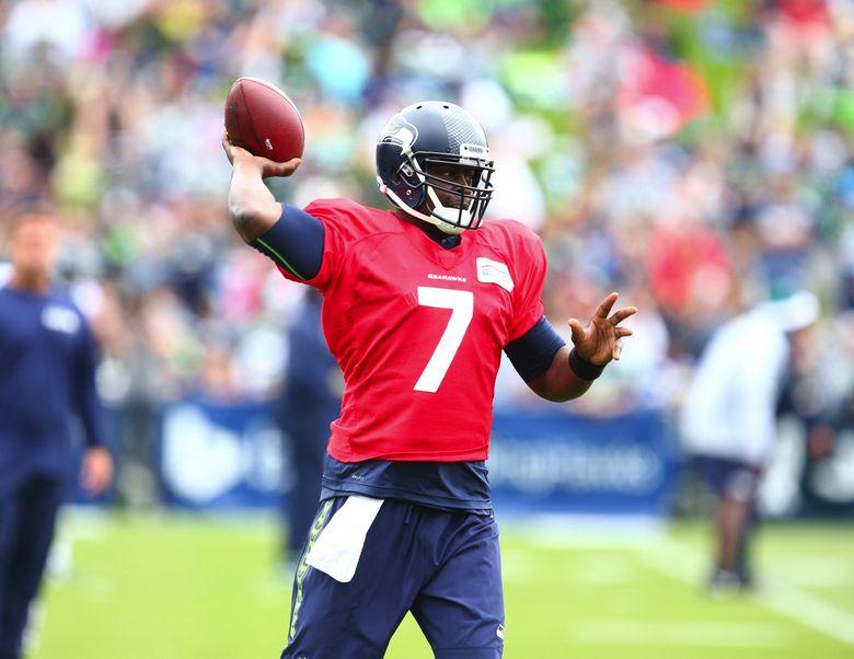 Seattle Seahawks quarterback Tarvaris Jackson works out during training camp. (John Lok / The Seattle Times)