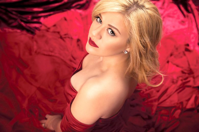 Pop star Kelly Clarkson brings her high-energy show to KeyArena Wednesday, Aug. 12.