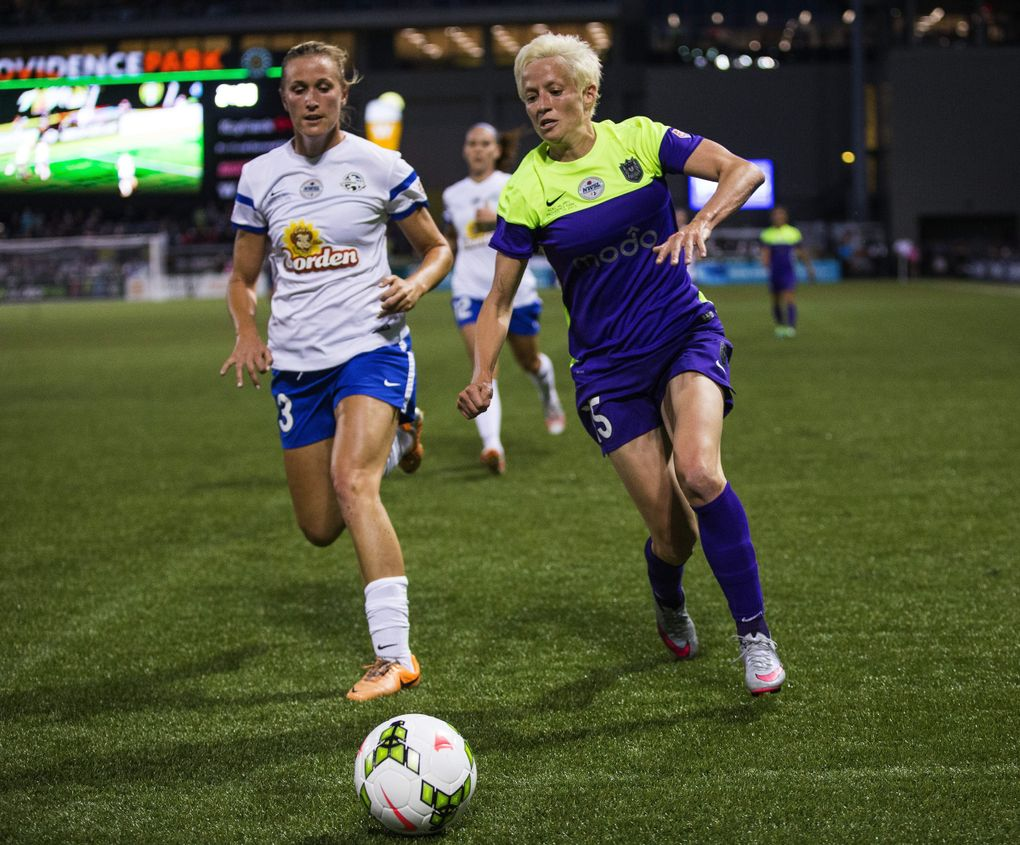 Seattle's Megan Rapinoe adopted Sue Bird's diet after they started dating. She says it's made a difference in her performance on the soccer pitch. (Dean Rutz / The Seattle Times, file)