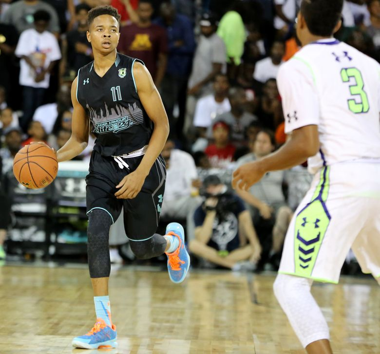 Team Doo Be Doo's Markelle Fultz #11 in action against Team EZ Pass in the Under Armour Elite 24 game on Saturday, August 22, 2015 in Brooklyn, NY. (AP Photo/Gregory Payan) (Gregory Payan/AP)