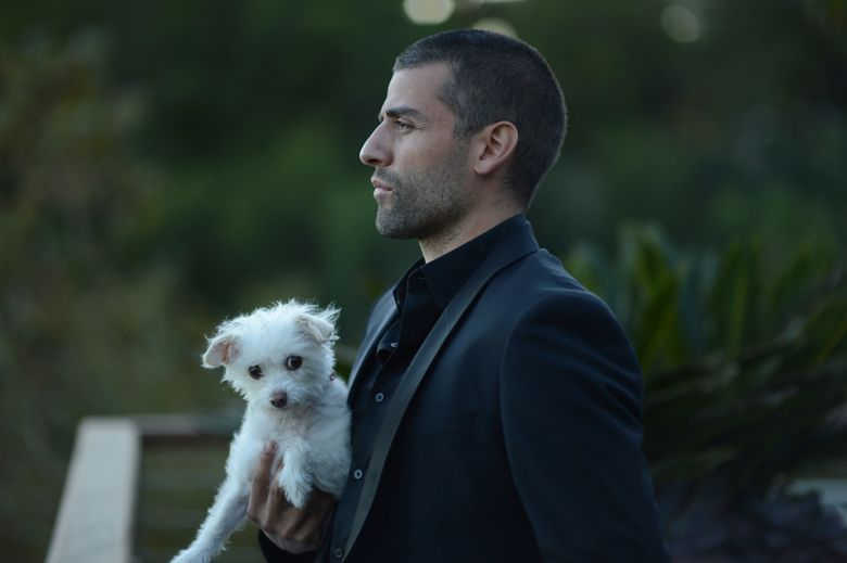 """Oscar Isaac plays an armed drifter who enjoys literature in """"Mojave."""" (Gregory Smith                   )"""