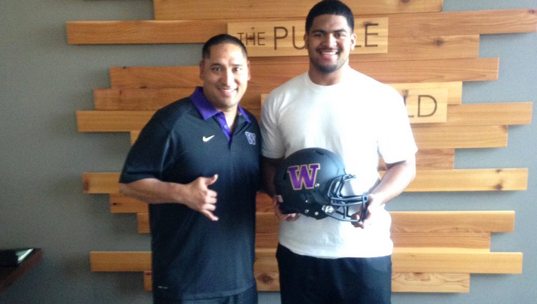 Marlon Tuipulotu, a four-star defensive tackle from Oregon, committed to the Huskies in April 2016. (Via Twitter)