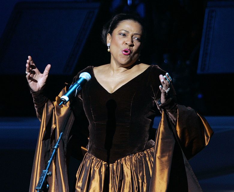 """FILE – In this Nov. 19, 2005 file photo, opera star Kathleen Battle performs during the grand opening gala celebration for the Muhammad Ali Center in Louisville, Ky. Battle is returning to the Metropolitan Opera, 22 years after the company fired her citing """"unprofessional actions."""" Battle, who turns 68 in August, will sing a recital on Nov. 13, 2016, titled """"Underground Railroad _ A Spiritual Journey,"""" the company said Monday, April 4, 2016.  (AP Photo/Ed Reinke, File)"""