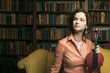 Violnist Hilary Hahn will perform in Seattle on Oct. 30.