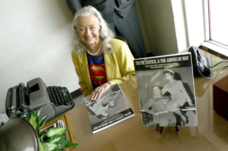 """FILE – In this June 13, 2003, file photo, Noel Niell poses for a photograph before a book signing of her book """"Truth, Justice, and the American Way, The Life and Times of Noel Neill The Original Lois Lane"""" during """"Lunch with Lois"""" at Farley's Cafeteria during the annual Superman Celebration, in Metropolis, Ill. The actress who was the first to play Superman's love interest, Lois Lane, on screen has died. Neill was 95. Neill's biographer Larry Ward tells The Associated Press that she died Sunday, July 3, 2016, at her home in Tucson, Ariz., following a long illness. (Stephen Lance Dennee/The Paducah Sun via AP) KYPAD110"""