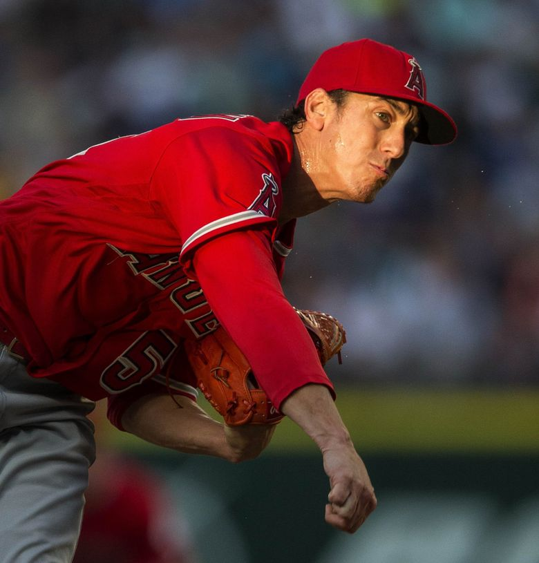 Tim Lincecum got roughed up by the Mariners in the 1st inning, giving up 6-runs.   (Dean Rutz / The Seattle Times)