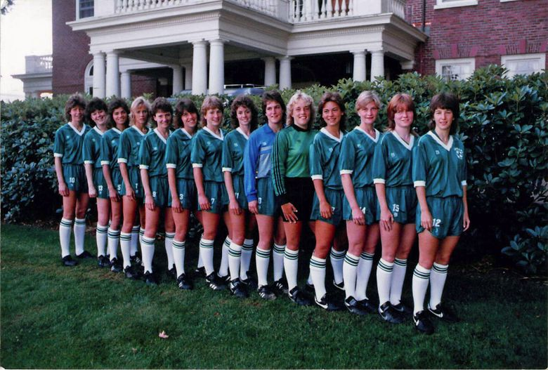 Sharon McMurtry, far left, and the Cozars team in front of the Governors Mansion. (Courtesy of Frank MacDonald)