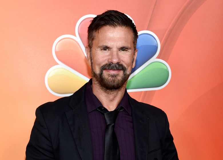 """FILE – In this Jan. 16, 2015 file photo, Lorenzo Lamas poses at the NBCUniversal 2015 Winter TCA Press Tour in Pasadena, Calif. Lamas, known for starring in such shows """"Falcon Crest"""" and """"Renegade,"""" is jumping into the off-Broadway """"The Fantasticks."""" The 58-year-old actor will play the rakish narrator called El Gallo starting Oct. 24, 2016, at The Snapple Theater Center. (Photo by Chris Pizzello/Invision/AP, File)"""