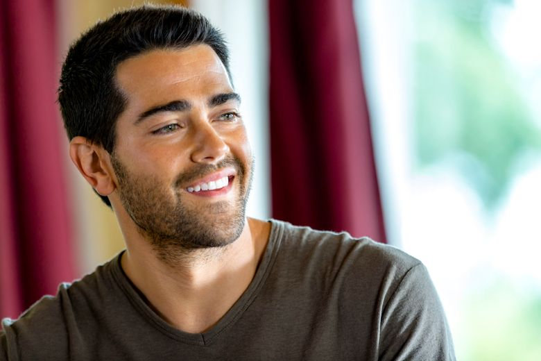 """This image released by the Hallmark Channel shows Jesse Metcalfe from the TV series, """"Chesapeake Shores,"""" airing Sundays at 9 p.m. EST. (Ricardo Hubbs/Hallmark Channel via AP)"""