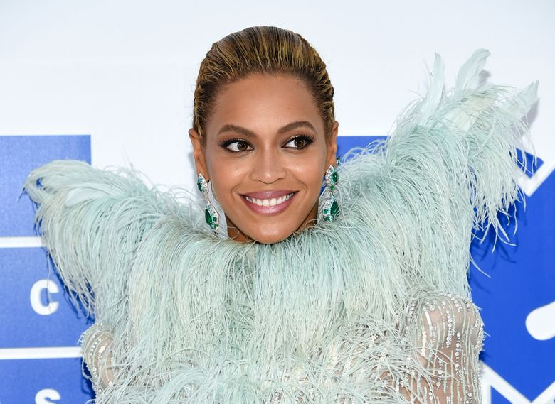 """FILE – In this Aug. 28, 2016 file photo, Beyonce Knowles arrives at the MTV Video Music Awards at Madison Square Garden, in New York. Beyonce performed """"Daddy Lessons,"""" Wednesday, Nov. 2, at the 50th annual CMA Awards in Nashville, Tenn. (Photo by Evan Agostini/Invision/AP, File)"""