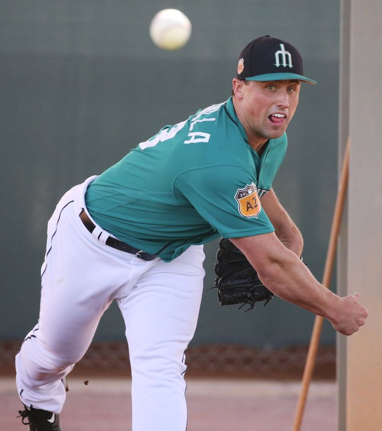 Mariners pitcher Dan Altavilla on the fourth day of spring training. (Ken Lambert / The Seattle Times)