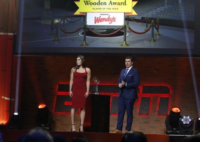 Kelsey Plum wins John R. Wooden award on April 7, 2017. (Photo credit: Eddie Perlas/ESPN Images).