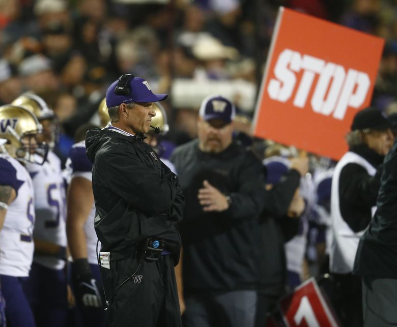 Washington Huskies head coach Chris Petersen in the first half of an NCAA college football game late Saturday, Sept. 23, 2017, in Boulder, Colo. (David Zalubowski / The Associated Press)