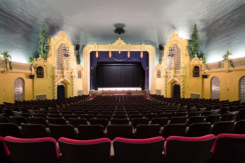 The historic 7th Street Theatre in Hoquiam (Julie Rajcich Photography)