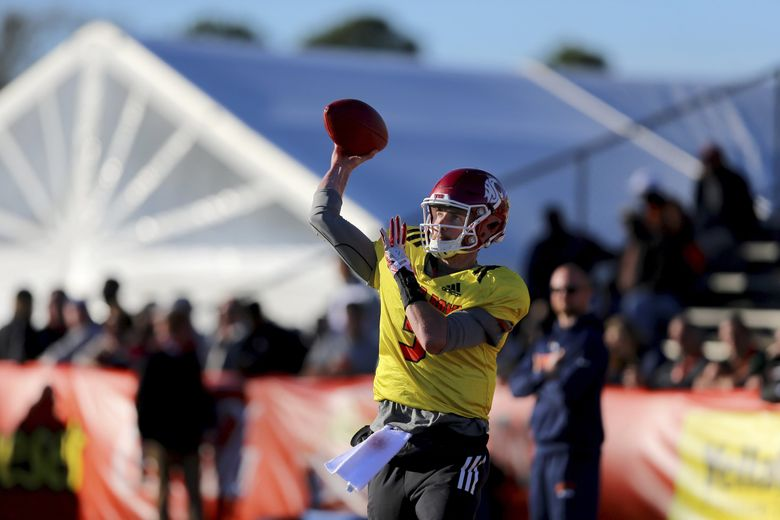 Quarterback Luke Falk of Washington State (3) throws a pass during the North's team college football practice for Saturday's Senior Bowl, Tuesday, Jan. 23, 2018, in Mobile, Ala. (AP Photo/Butch Dill)