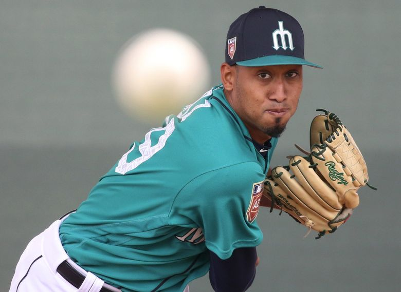 Mariners pitcher Edwin Diaz in the bullpen during full second day of spring training workout, Friday, Feb. 16, 2018, in Peoria, Ariz. (Ken Lambert / The Seattle Times)
