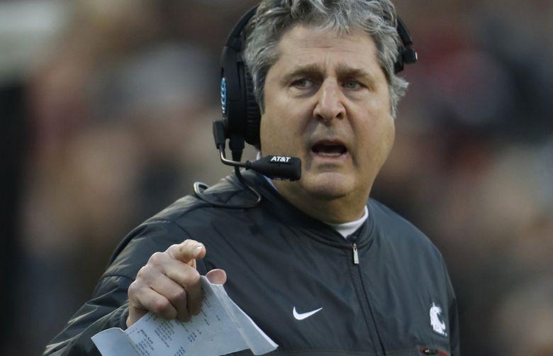 Washington State Cougars head coach Mike Leach. (David Zalubowski / AP)