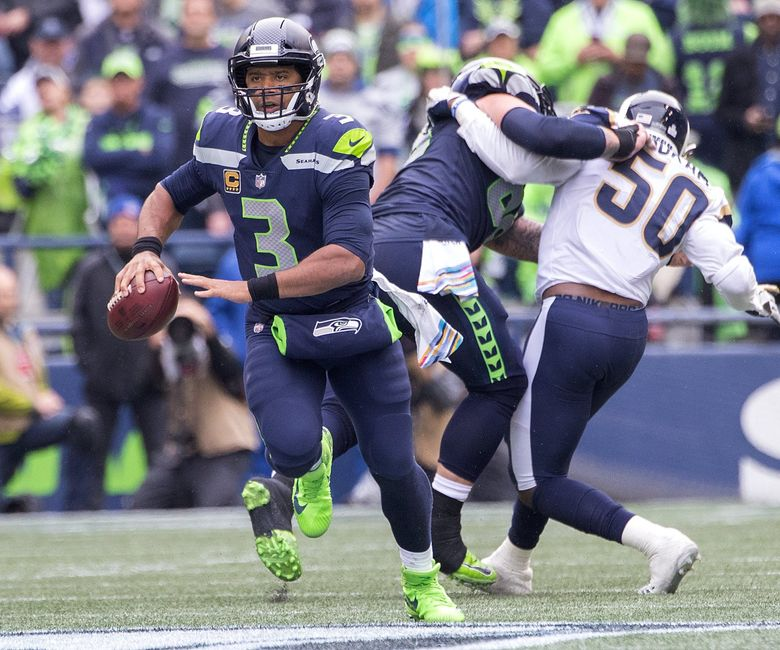 Seattle Seahawks quarterback Russell Wilson (3) passed for 198 yards as the Seattle Seahawks play the Los Angeles Rams at CenturyLink Field in Seattle on October 7, 2018. (Mike Siegel / The Seattle Times)