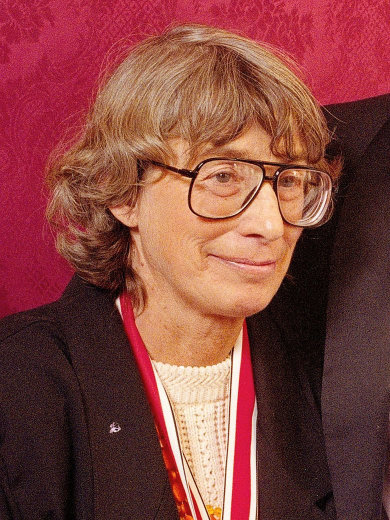 """Mary Oliver in 1992 at the National Book Awards in New York where she received the poetry award for her book """"New and Selected Poems."""" Oliver, a Pulitzer Prize-winning poet whose odes to nature and animal life brought her critical acclaim and popular affection, died Thursday. She was 83. (AP Photo / Mark Lennihan, file)"""