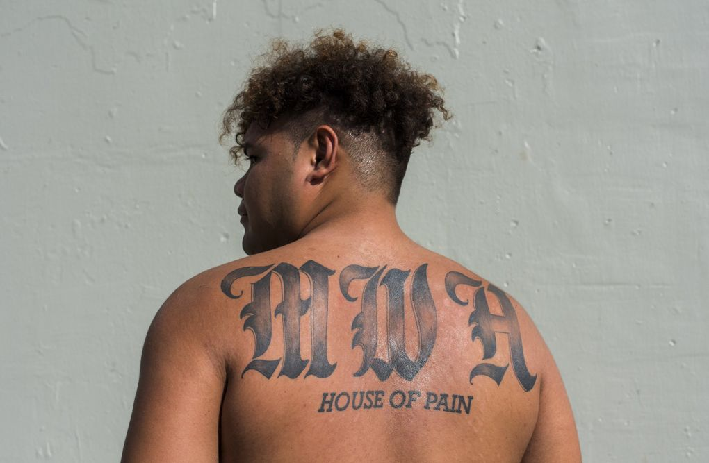 Faatui Tuitele, St Louis High School football player and top recruit in University of Washington's 2019 class, at the Mayor Wright Housing where he grew up. (Elyse Butler / Special to The Seattle Times)