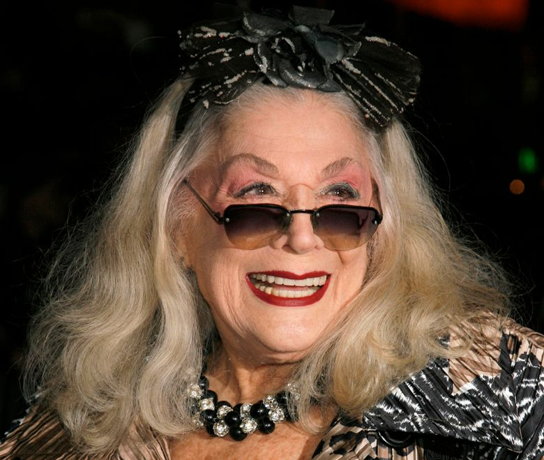"""FILE – In this Sunday, Jan. 7, 2007, file photo, Sylvia Miles arrives for the 2006 New York Film Critic's Circle Awards at the Supper Club in New York. Miles, whose brief appearances in """"Midnight Cowboy"""" and """"Farewell, My Lovely,"""" earned her two Academy Award nominations, died Wednesday, June 12, 2019. Miles was also a scene-stealing character of the New York party scene, beloved for her outgoing personality and flamboyant fashion sense. (AP Photo/Rick Maiman, File)"""