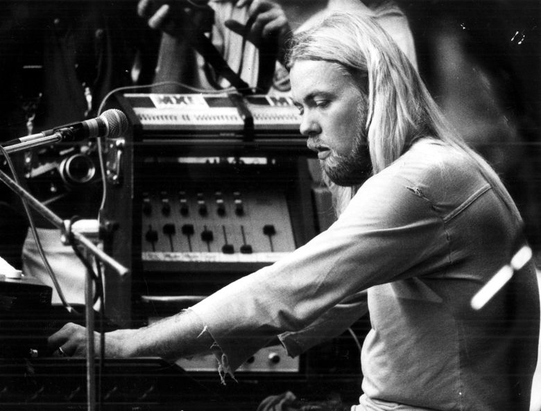 FILE – In this Aug. 24, 1978 file photo, Gregg Allman plays the organ at a concert in Macon, Ga. A one-time Alabama police chief who arrested the Allman Brothers Band on drug charges nearly 50 years ago has died. Longtime law enforcement officer Maryln Cranford died June 26 at age 81.(Jerome McClendon/Atlanta Journal-Constitution via AP)