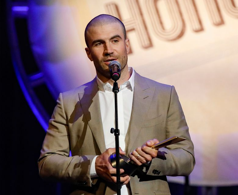 """FILE – In this file photo, Aug. 22, 2018, file photo, Sam Hunt accepts the ACM Gene Weed Milestone Award at the 12th Annual ACM Honors at the Ryman Auditorium in Nashville, Tenn. The Tennessean reports Hunt tweeted Friday that he made the """"poor and selfish"""" decision to drive himself home after a friend's show in Nashville last week. Hunt was arrested Thursday and charged with driving under the influence and violating open container law. (Photo by Al Wagner/Invision/AP, File)"""