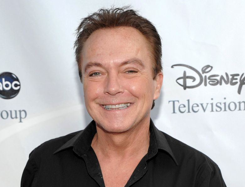 """FILE – This Aug. 8, 2009 file photo shows actor-singer David Cassidy, best known for his role as Keith Partridge on """"The Partridge Family,"""" in Pasadena, Calif. Two years after the death of Cassidy, the new owners of his Fort Lauderdale home plan to post a plaque honoring him. Thomas L. White, who co-own the home known as Casa de Mayan, says the tribute is meant to recognize Cassidy's achievements as a singer, actor and horse racing enthusiast.  (AP Photo/Dan Steinberg, File)"""