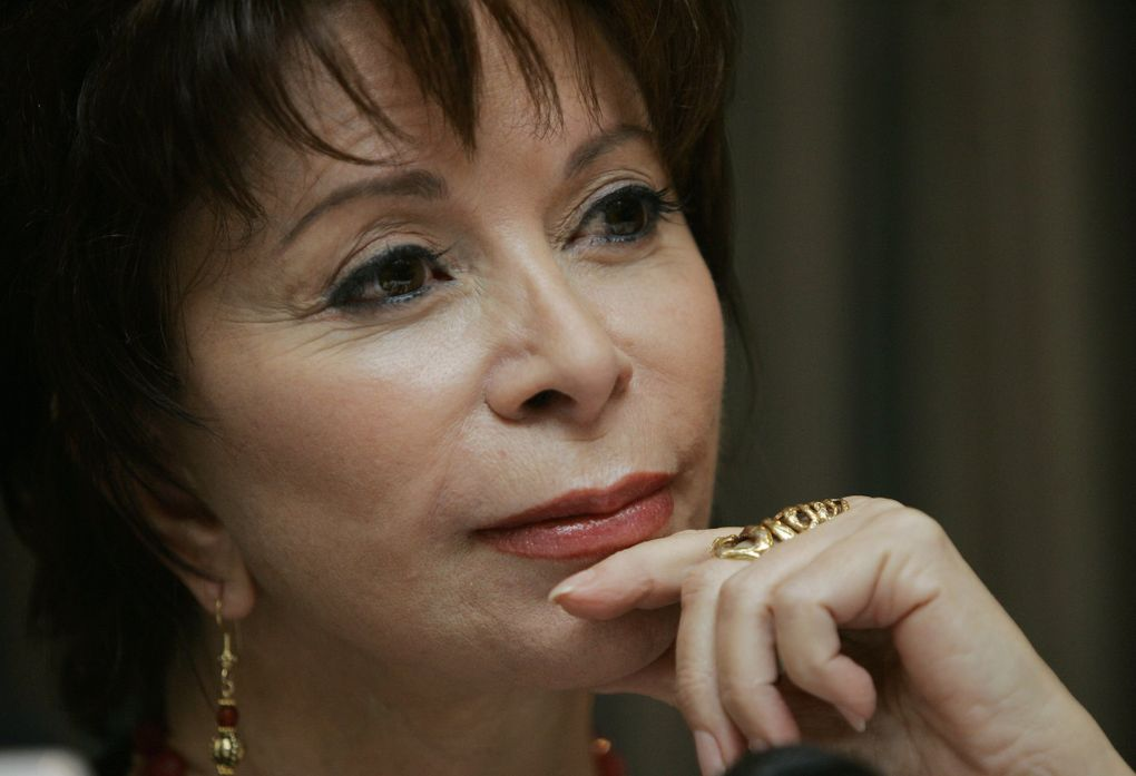 """Author Isabel Allende will read from and discuss her latest book, """"A Long Petal of the Sea"""" / """"Largo pétalo de mar,"""" at Town Hall on Jan. 30. (Roberto Candia / The Associated Press)"""