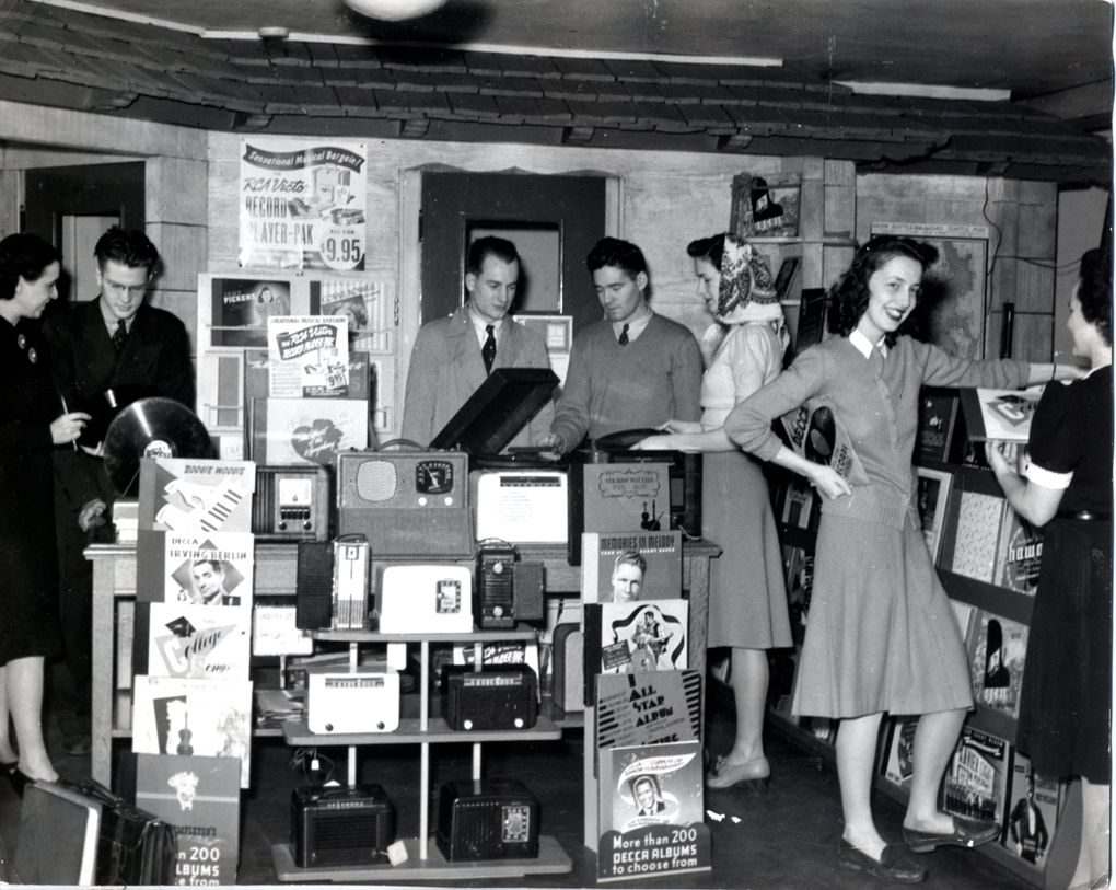 Students listen to music on 78rpm records in the University Book Store's music shop in 1940. (Courtesy of University Book Store)