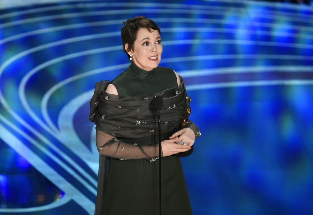 """Olivia Colman was happily rattled — and funny — in her Oscar acceptance speech for best actress last year, earned for her work in """"The Favourite."""" (Chris Pizzello / Invision / The Associated Press)"""