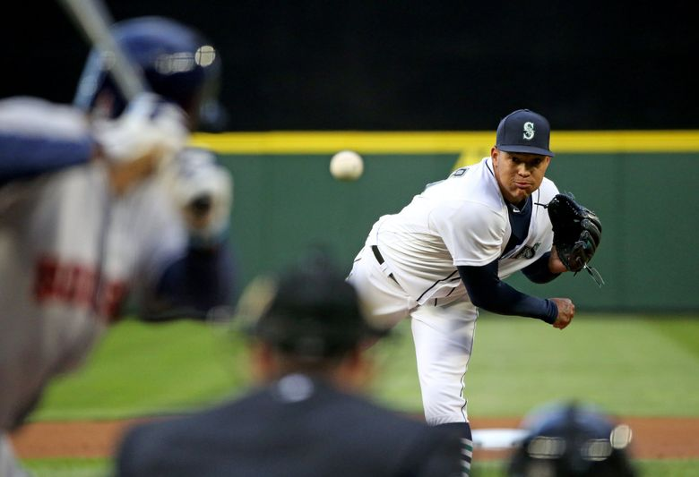 Taijuan Walker pitches against the Astros in 2016.  (Ken Lambert / The Seattle Times)