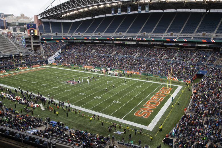 The fans came out to see the Seattle Dragons play the Tampa Bay Vipers on Feb. 15, but CenturyLink will be virtually empty for Sunday's game. (Amanda Snyder / The Seattle Times)