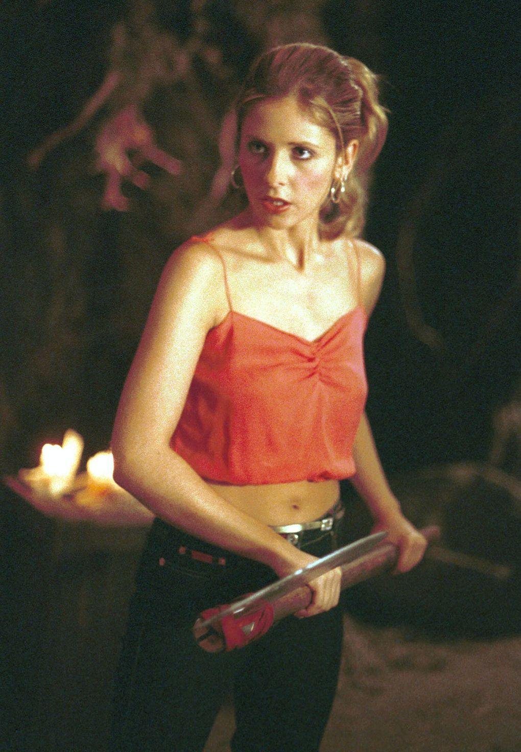 """Sarah Michelle Gellar (Buffy) and Michelle Trachtenberg (Dawn) shared a sibling rivalry on """"Buffy the Vampire Slayer,"""" the iconic '90s TV shows that spawned several actors careers and as many spinoffs. (Richard Cartwright / The WB)"""