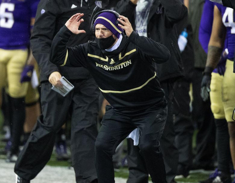 Washington Huskies coach Bob Gregory reacts to a first half play as the Washington Huskies play the Oregon State Beavers at Husky Stadium in Seattle on November 14, 2020.   (Mike Siegel / The Seattle Times)