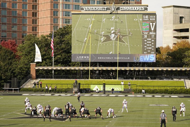 Vanderbilt and Florida play on Nov. 21, 2020, in Nashville, Tenn. Vanderbilt is 0-7 and shorthanded with several special-teams players in coronavirus quarantine ahead of the game against Missouri on Saturday. (Mark Humphrey / The Associated Press)