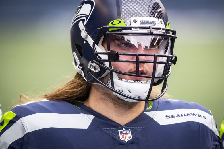 Seahawks offensive tackle Chad Wheeler warms up before the Seattle Seahawks take on the Los Angeles Rams at Lumen Field in Seattle, Sunday December 27, 2020. (Bettina Hansen / The Seattle Times)