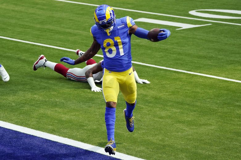 Los Angeles Rams tight end Gerald Everett (81) scores against the New York Giants on Oct. 4, 2020, in Inglewood, Calif. (AP Photo/Ashley Landis)