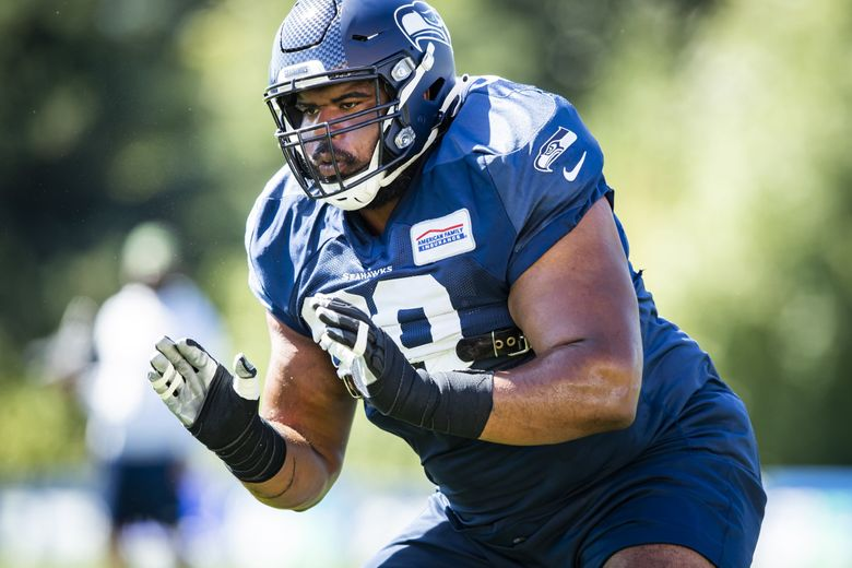 Seahawks guard Jordan Simmons does drills at the Virginia Mason Athletic Center for training camp Sunday August 30, 2020. (Bettina Hansen / The Seattle Times)