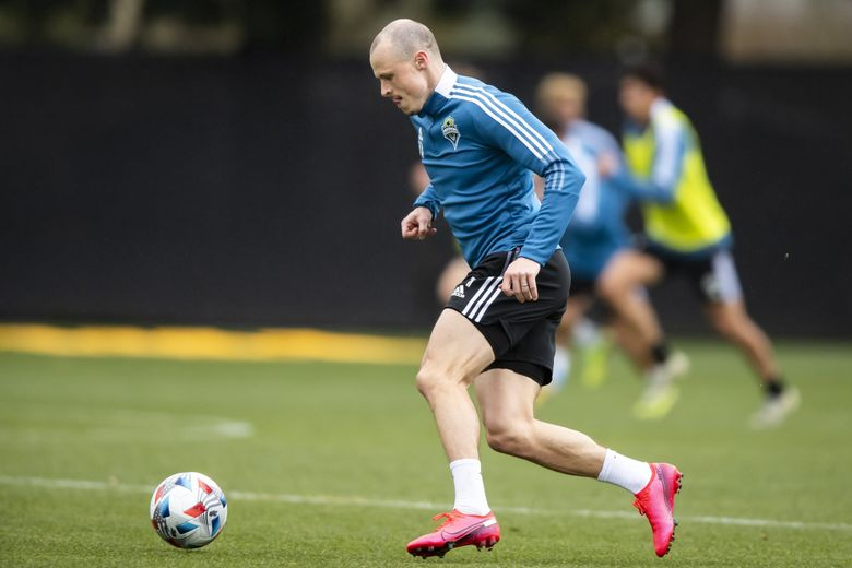 Defender Brad Smith trains with Seattle Sounders FC at Starfire Sports in Tukwila on Saturday March 20, 2021. (Bettina Hansen / The Seattle Times)