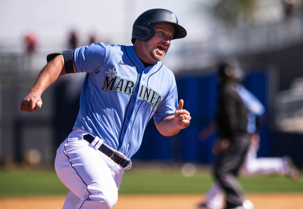 Kyle Seager, scoring in a spring-training game, is likely headed into his last season with the Mariners. Complex in Peoria, AZ. (Dean Rutz / The Seattle Times)
