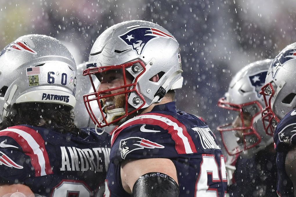 Joe Thuney #62 of the New England Patriots looks on during the first half of a game against the Baltimore Ravens at Gillette Stadium on November 15, 2020, in Foxborough, Massachusetts. (Billie Weiss / TNS)