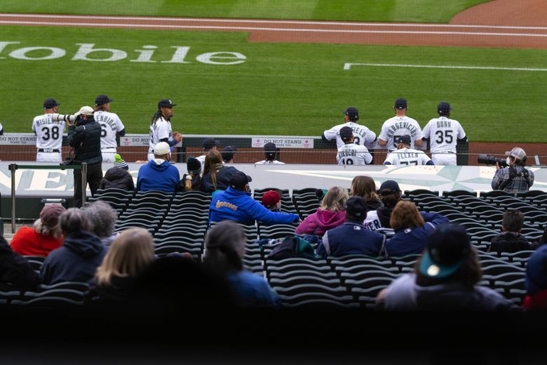 The San Francisco Giants played the Seattle Mariners in the season opener for both teams Thursday, April 1, 2021 at T-Mobile Park in Seattle, WA. (Dean Rutz / The Seattle Times)