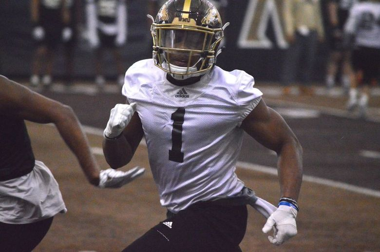 – Western Michigan's Dee Eskridge runs a route during the Broncos' first spring practice of the 2020 football season on Tuesday, Feb. 18 at the Seelye Athletic Center (Patrick Nothaft | pnothaft@mlive / TNS)
