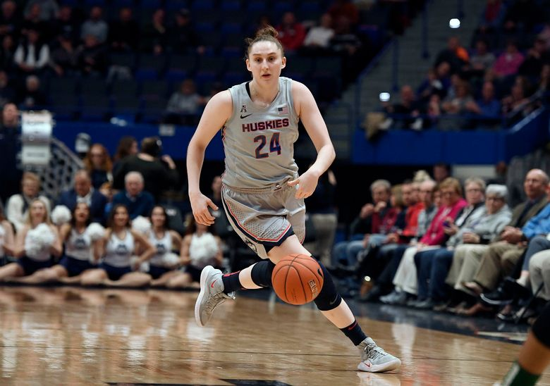 """FILE – Connecticut's Anna Makurat plays during an NCAA college basketball game in Hartford, Conn., in this Wednesday, Feb. 19, 2020, file photo. Makurat has decided to transfer. """"We appreciate Anna for her efforts and for being a great teammate the last two seasons,"""" coach Geno Auriemma said in a statement Tuesday, April 6, 2021. """"(AP Photo/Jessica Hill, File)"""