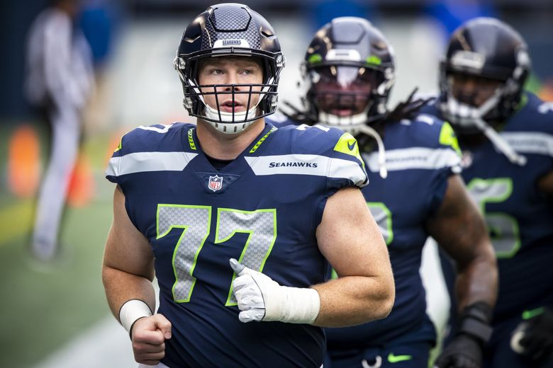 Seahawks center Ethan Pocic warms up before the Seattle Seahawks take on the Los Angeles Rams at Lumen Field in Seattle, Sunday December 27, 2020. (Bettina Hansen / The Seattle Times)