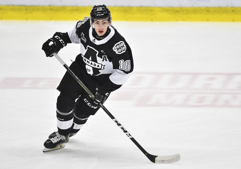 Luke Henman #16 of the Blainville-Boisbriand Armada skates against the Rimouski Oceanic at Centre d'Excellence Sports Rousseau on October 5, 2019 in Boisbriand, Quebec, Canada. (Minas Panagiotakis / Getty Images)