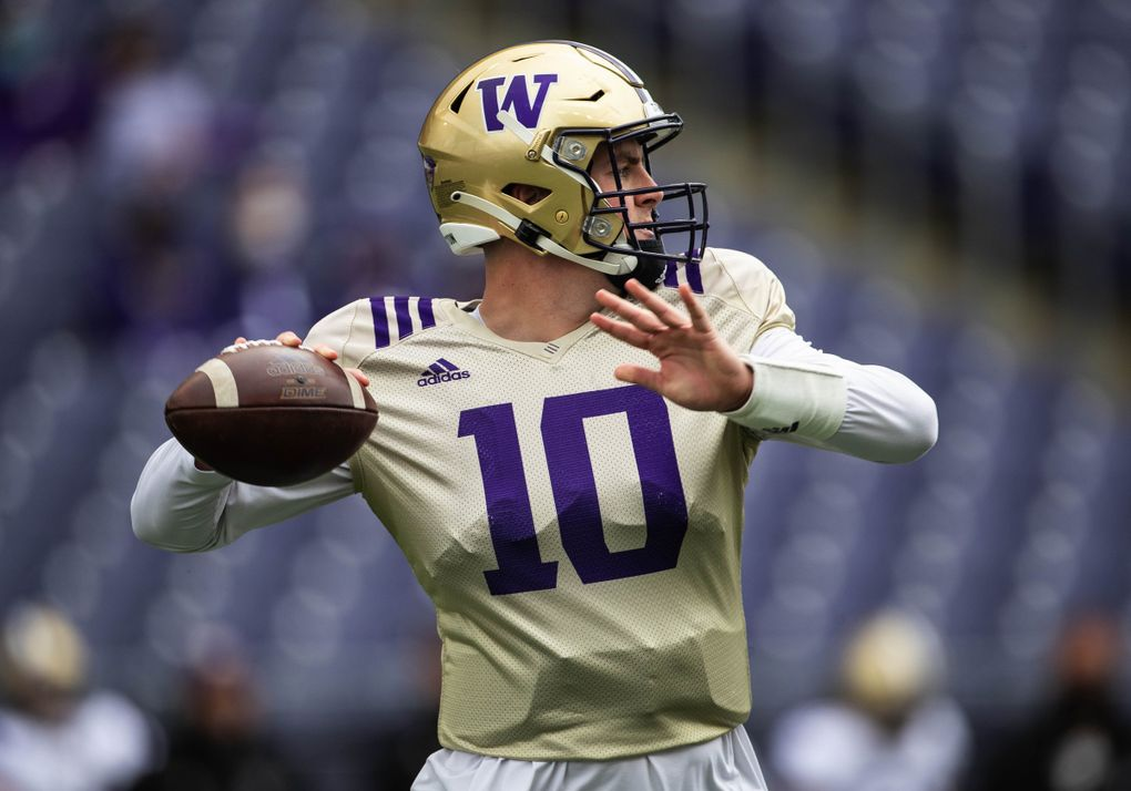 Quarterback Patrick O'Brien looks for a receiver in the first half Saturday. Washington's Spring Football Game was played before about 9,000 people Saturday, May 1, 2021 at Husky Stadium in Seattle, WA. (Dean Rutz / The Seattle Times)