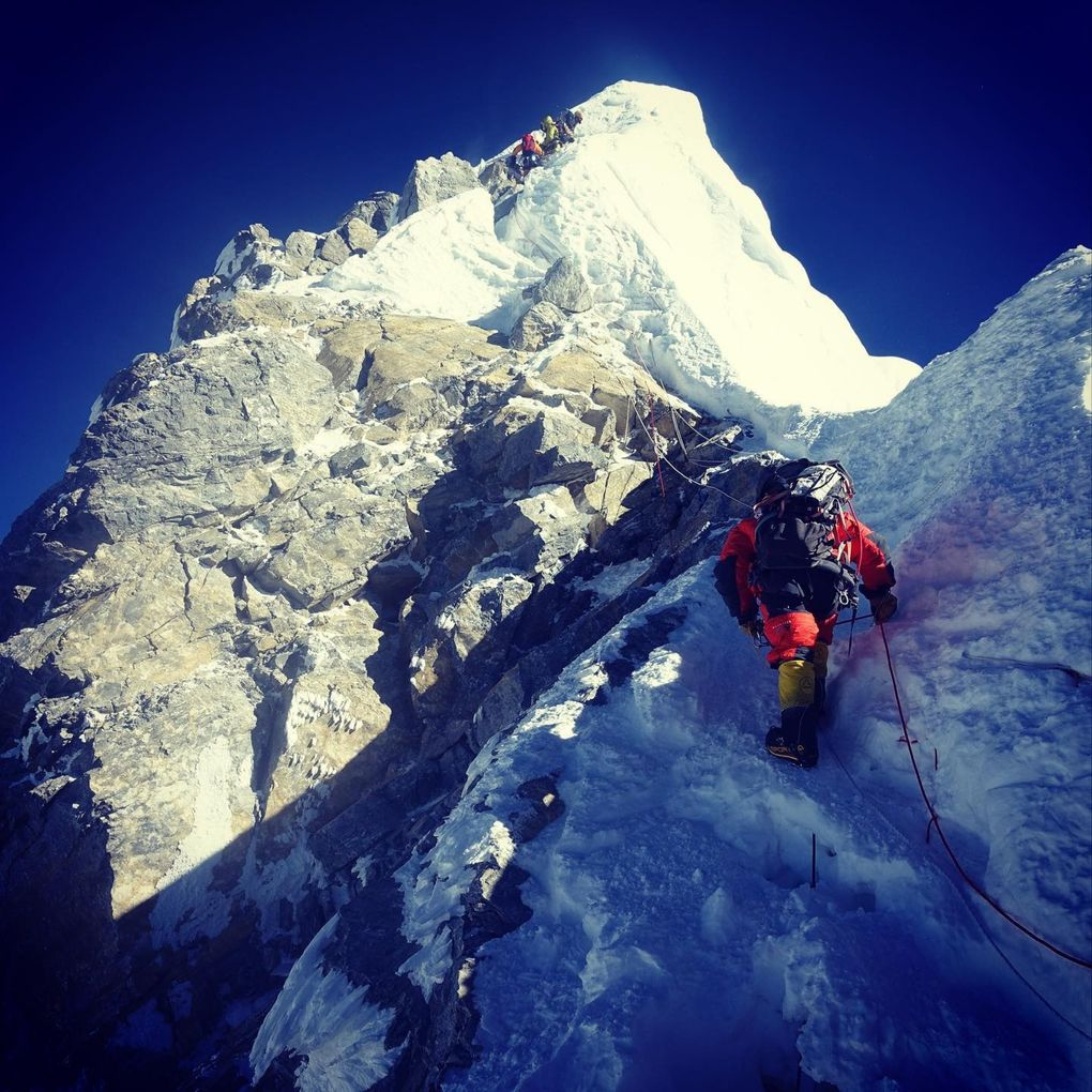 Former UW wide receiver Mark Pattison makes a final push to the summit of Mount Everest on May 23.  (Courtesy of Mark Pattison)