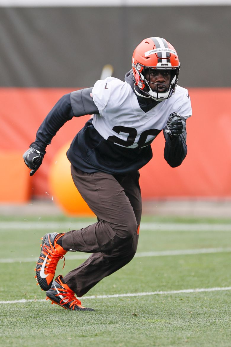 Cleveland Browns linebacker Jeremiah Owusu-Koramoah runs through a drill during NFL football practice at the team's training facility Wednesday, June 2, 2021, in Berea, Ohio. (AP Photo/Ron Schwane)